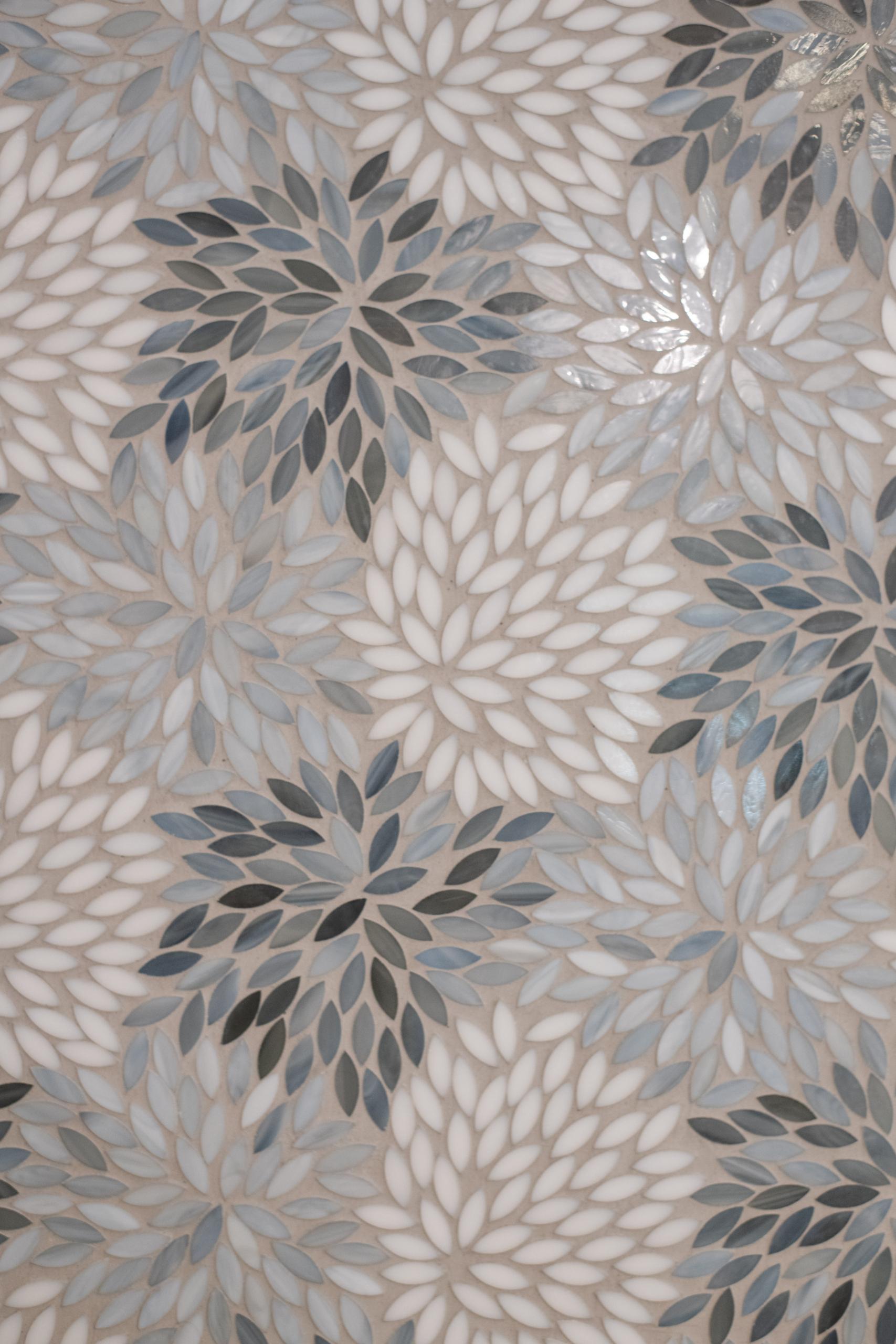 floral mosaic tile with light blue and dark blue color range