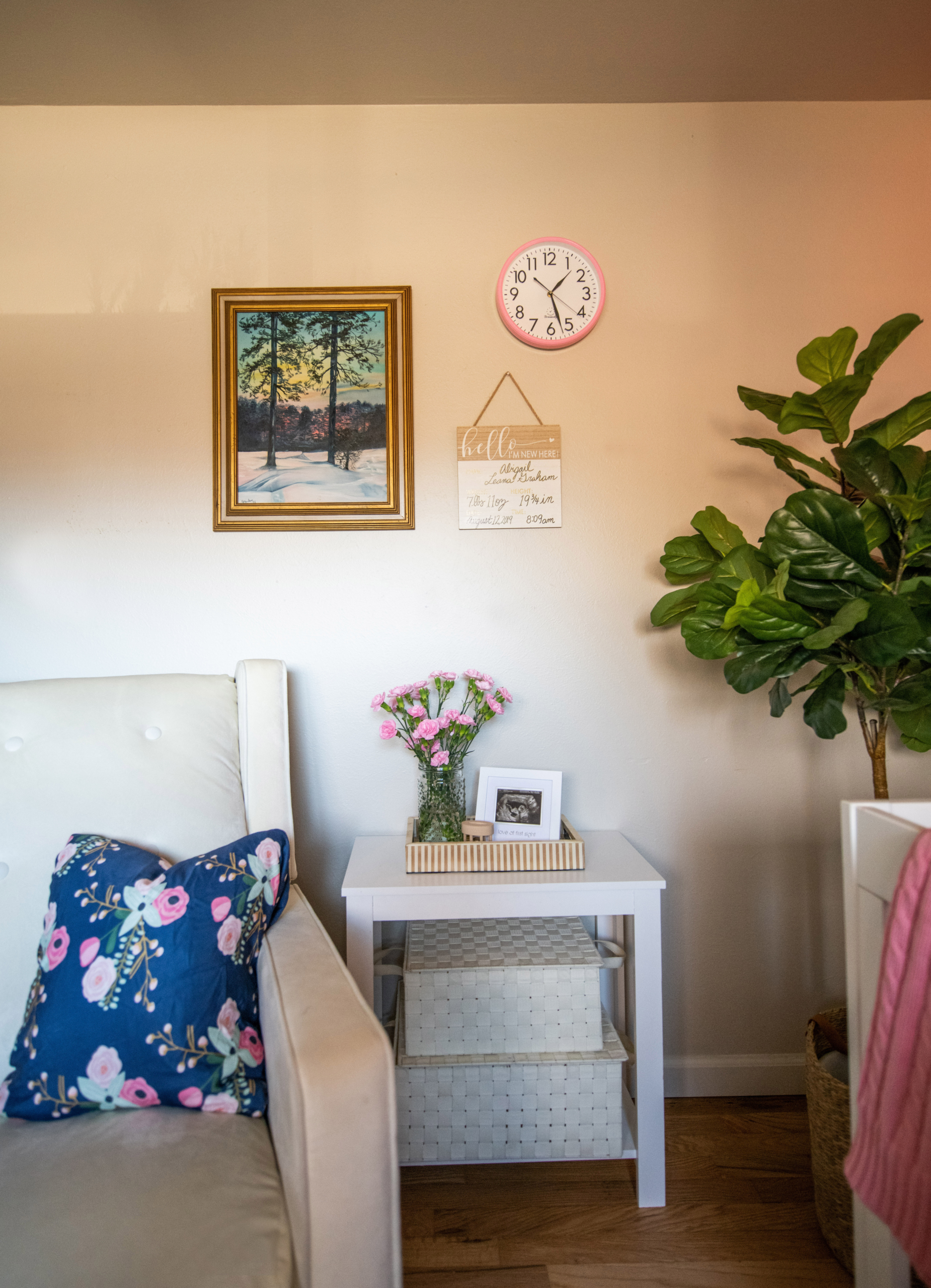 Wolf Nursery rocking chiar wall with vintage painting